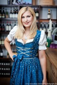 Moderatorin Stephanie, 27, a Münchener Kindl - die mit Witz!